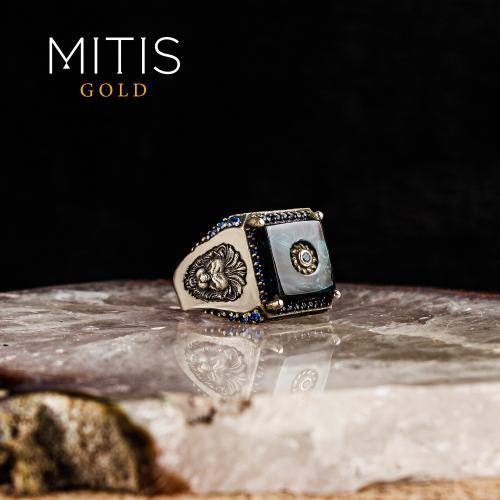 Aslan Figürlü Kehribar Ve Topaz Taşlı Gümüş Yüzük